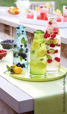 Serve three different lemonades. Choose between your traditional lemonade, a fruit-infused lemonade (made with raspberry or pomegranate juice, puree or fruit to taste), a sparkling lemonade (using sparkling water instead of tap water) or frozen lemonade. #refreshment #party #summer