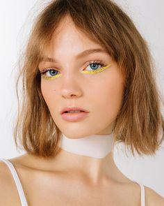 yellow eyeliner looks ; yellow eyeliner makeup looks ; Makeup Brands, Best Makeup Products, Makeup Tips, Hair Makeup, Makeup Ideas, Makeup Salon, Makeup Studio, Models Makeup, Sfx Makeup
