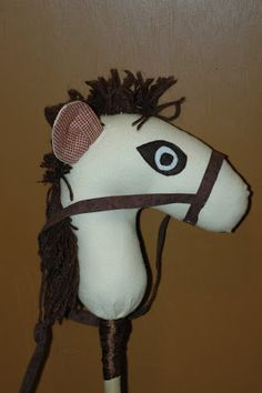 create everyday: Make Your Own Hobby Horse/ Stick Pony: Tutorial