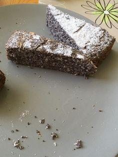 Proteinový makovec (bez cukru, mléka, mouky, oleje) :: Sestry v kuchyni Food And Drink, Low Carb, Desserts, Diet, Bakken, Tailgate Desserts, Deserts, Postres, Dessert