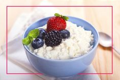 Delicious Ways to Eat Cottage Cheese - Ranging from 82 calories for a 4oz serving of nonfat cottage cheese, to 110 calories for creamed cottage cheese, you can count of this fresh cheese to deliver protein and taste without ruining your weight loss efforts.