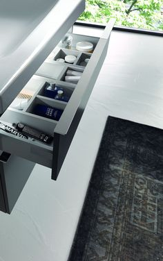 Badkamermeubel Sphinx 345 met lade met led-verlichting en praktische indeling