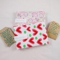Gifts ready for the kindergarden sweet ladies. Have a nice holidays!! 🎉🎉🎉 . Regalos listos para las encantadoras educadoras de la guarderia. Buenas vacaciones!! 🎉🎉🎉 . #lunchbag #sandwichbag #snackbag #bolsacomida #bolsamerienda #ecofriendly