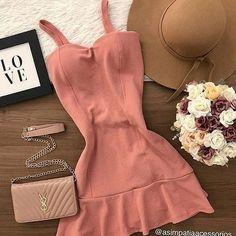 Dress Outfits, Girl Outfits, Fashion Outfits, Fashion Tips, Short Mini Dress, Short Dresses, Pretty Outfits, Cute Outfits, Girl Fashion
