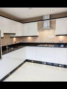Black and white kitchen by ocean kitchens (Solihull) - Kitchen Cabinet Ideas Kitchen Bar Design, Kitchen Layout, Home Decor Kitchen, Interior Design Kitchen, Kitchen Furniture, Rustic Kitchen, Küchen Design, Home Design, Layout Design
