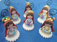 Virgen de Coromoto Owl Cakes, Biscuit, Cake Decorating With Fondant, Arts And Crafts, Diy Crafts, Baptism Party, Christmas Crafts, Christmas Ornaments, Pasta Flexible