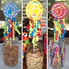 Handmade Sesame Street Birthday Party Uses Belly Feathers Idea Elmo Birthday, Birthday Games, 2nd Birthday Parties, Birthday Ideas, Birthday Decorations, Doggy Birthday, Carnival Birthday, Sesame Street Decorations, Sesame Street Centerpiece