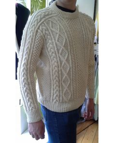 Saddle Shoulder Unisex #Aran_Fisherman Sweater . Hand knitted in 100% pure new wool for us in Co. Donegal, this sweater has all the classic features of a high quality Irish sweater.