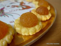 The Little Teochew: Singapore Home Cooking: Pineapple Tarts (Buttery Melt-In-Your-Mouth Pastry)