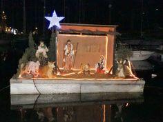 Chaque année, la Ville de La Ciotat met en place une Crèche sur l'Eau.