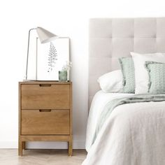 Future House, My House, Dresser As Nightstand, House Rooms, Home Decor Inspiration, Townhouse, Table, Furniture, Bedrooms