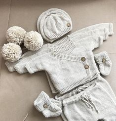 Newborn boy coming home outfit. By kimono set. By kimono. W baby gift. Baby Boy Booties, Baby Kimono, Maila, Third Baby, Baby Warmer, Baby Arrival, Pregnant Mom, New Baby Gifts, Baby Presents