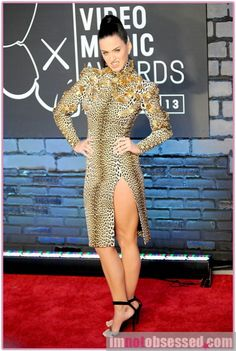 katy perry love it or hate it mtv vmas edition Celebrity Gossip, Celebrity News, Katy Perry Legs, Hollywood Gossip, Demi Lovato, Mtv, Dame, Bodycon Dress, Dresses For Work