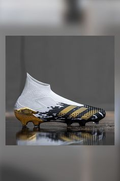 Best Soccer Shoes, Nike Soccer Shoes, Soccer Cleats, Adidas Shoes, Puma Football Boots, Cool Football Boots, Soccer Boots, Adidas Predator, Mp5