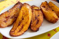 Ripe, sweet fried plantains are a simple, traditional side dish served throughout the Caribbean islands. The Puerto Rican version, called amarillitos, is distinguished by the plantain's diagonal cuts. Pair them with almost any savory dish for breakfast, lunch, or dinner! Get the recipe at http://tastetheislandstv.com/amarillitos-puerto-rican-sweet-fried-plantains/. #plantains #puertoricanfood #side #vegetarian #islands #foodie #paradise #nomnom #food #recipes #caribbeanfood #tastetheislands