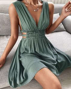 Plunge Cutout Ruched Backless Dress Casual Dresses, Short Dresses, Casual Outfits, Fashion Dresses, Cute Outfits, Mini Dresses, Dress Skirt, Dress Up, V Neck Dress