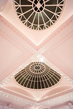 THE GALLERY - Brasserie of the restaurant Sketch in London - Project by India Mahdavi & Artist David Shrigley