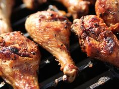 """Smokey Salt and Pepper Drumsticks (Grilling to Go) - """"The Pioneer Woman"""", Ree Drummond on the Food Network. Pioneer Woman Chicken, Pioneer Woman Recipes, Pioneer Women, Cacciatore Recipes, Chicken Cacciatore, Food Network Recipes, Cooking Recipes, Cooking Network, Grill Recipes"""