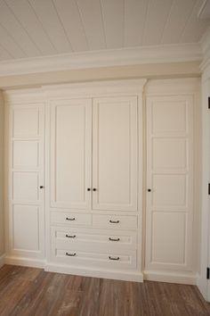 18 Ideas tall closet doors bathroom storage for 2019 Bedroom Built In Wardrobe, Bedroom Built Ins, Bedroom Closet Design, Master Bedroom Closet, Wardrobe Doors, Wardrobe Closet, Closet Designs, Closet Doors, Modern Wardrobe
