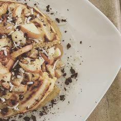 Apple Pancakes !!!  Instagram: @berevh
