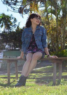 Look jaqueta jeans vintage blog Ela Inspira - http://www.elainspira.com.br/look-need-the-sun-to-break/
