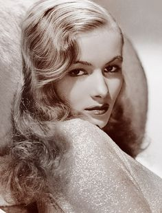 Constance Frances Marie Ockelman - star of Sullivans Travels and I Married a Witch Old Hollywood Glamour, Golden Age Of Hollywood, Vintage Hollywood, Hollywood Stars, Classic Hollywood, Vintage Movie Stars, Classic Movie Stars, Vintage Movies, Veronica Lake