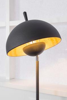 laurie lumière luminaire lampe à poser noire mat et abat-jour  inclinable intérieur doré