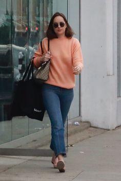 So simple buy super cute! Dakota Johnson shopping in West Hollywood ((Nobember 12th,2017) Cr. @AdoringJD & @DakotaJLife
