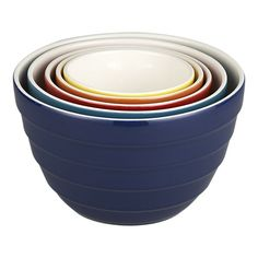 Just picked this nesting bowl set up at Goodwill for $4.99 ... I LOVE nesting bowls!