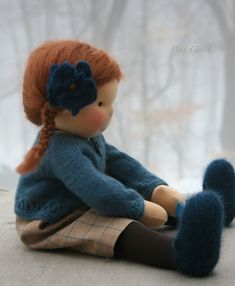 Beautiful doll clothing by Petit Gosset Fabric Dolls, Paper Dolls, Doll Toys, Baby Dolls, Diy Laine, Waldorf Toys, Sewing Dolls, Needle Felted Animals, Soft Dolls