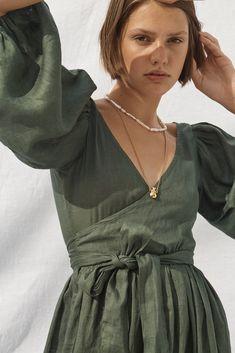 Wrap Dress, Dress Up, Lookbook, Linen Dresses, Sustainable Fashion, Dresses For Sale, Poses, Elegant, Modeling