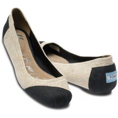 These TOMS are amazing!!!!    TOMS Alessandra Burlap Ballet Flats Women 11, found on polyvore.com
