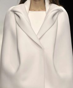 by Tze Goh, student of London's Central Saint Martins College of Art & Desig… – Fashion Trends 2019 Fashion Details, Look Fashion, High Fashion, Winter Fashion, Womens Fashion, Fashion Design, Fashion Trends, Classic Fashion, Fashion Beauty