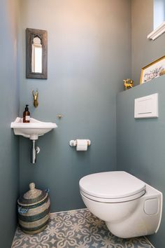8 Inspiring Guest Toilet Design Ideas To maximize Small Space - About-Ruth Small Downstairs Toilet, Small Toilet Room, Guest Toilet, Downstairs Bathroom, Bathroom Wall, Bathroom Interior, Bathroom Ideas, Bathroom Designs, Cloakroom Toilet Downstairs Loo