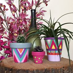 Painted Plant Pots, Painted Flower Pots, Pots D'argile, Clay Pots, Hobbies And Crafts, Diy And Crafts, Clay Pot People, Flower Pot Design, Decorated Flower Pots
