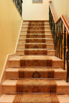 Carpet Runner on Stairs - How to choose the right size, pattern and finishings for your staircase runner.