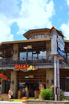 Dick's Last Resort in Gatlinburg, Tennessee. Features barbecue and steaks, with live music.