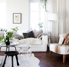 White Sofa Design Ideas & Pictures For Living Room Living room decor ideas Home decor ideas living room Living room furniture Gray living room Contemporary living room Transitional living room #LivingRoom #SmallLivingRoom #Elegant #Traditional #Scandinavian #Gray #Neutral #With Fireplace #Contemporary #Grey #Wall #2017 #livingroomdecorationsgray #livingroomsofaideasfurniture