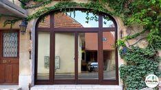 Okno drewniane z nieregularnym łukiem. Dodatkowo szyba selektywna o podwyższonym stopniu odbicia światła. Windows, Ramen, Window