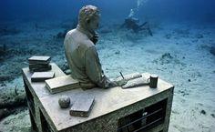underwater sculpture_9-sculpture-modern-art-Jason deCaires Taylor - sculpture