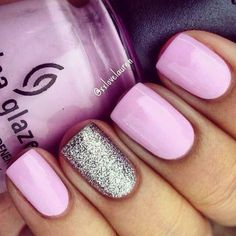 18 Spring Nails – Pretty in pink with a silver glitter accent nail. 18 Spring Nails – Pretty in pink with a silver glitter accent nail. Love Nails, Pretty Nails, Fun Nails, Glitter Accent Nails, Silver Glitter, Purple Manicure, Purple Nails With Glitter, Pink Shellac Nails, Pink Pedicure