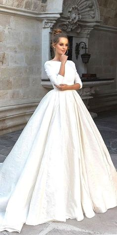 White bride dresses. Brides imagine finding the perfect wedding ceremony, however for this they require the perfect wedding dress, with the bridesmaid's outfits complimenting the wedding brides dress. The following are a few tips on wedding dresses.