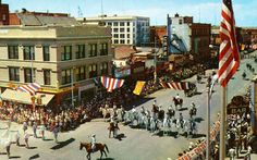 Cheyenne Wyoming | Frontier Days Parade - Cheyenne, Wyoming - More than a mile long, the ...
