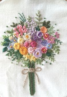 Wonderful Ribbon Embroidery Flowers by Hand Ideas. Enchanting Ribbon Embroidery Flowers by Hand Ideas. Brazilian Embroidery Stitches, Hand Embroidery Stitches, Learn Embroidery, Crewel Embroidery, Embroidery For Beginners, Cross Stitch Embroidery, Embroidery Needles, Embroidery Techniques, Ribbon Embroidery Tutorial