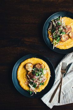 Seared Scallops with Smoky Squash Polenta and Apple Jalapeño Slaw Wine Recipes, Great Recipes, Cooking Recipes, Masterchef Recipes, Cooking Onions, Coquille Saint Jacques, Apple Slaw, Dinner Party Recipes, Dinner Ideas