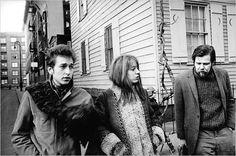 Bob Dylan, Suze Rotolo and Dave Van Ronk, Greenwich Village, 1963 Dave Van Ronk, Bob Dylan, Jim Marshall, Coen Brothers, Go Ride, Joan Baez, Idole, Beatnik, Music Magazines