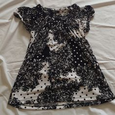 """Selling this """"Black and white shirt barely worn"""" in my Poshmark closet! My username is: krdefacci. #shopmycloset #poshmark #fashion #shopping #style #forsale #Style & Co #Tops"""