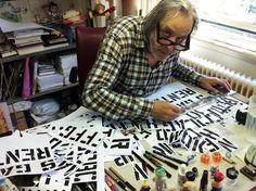 Peter te Bos in zijn ontwerpstudio