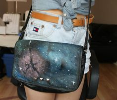 True Blue Me and You's excellent collection of Galaxy stuff!     Truebluemeandyou: Roundup from Gif Peanut Butter. Tutorials from jewelry to shoes to tee shirts to play dough etc…