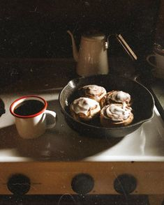 Aesthetic Food, Coffee Time, Food Inspiration, A Table, Sweet Tooth, Food Photography, Bakery, Food Porn, Brunch